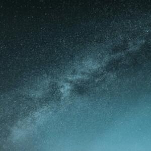 星云甩出的星臂