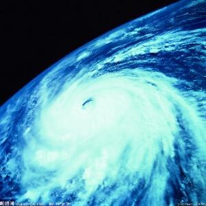 台风中的风景