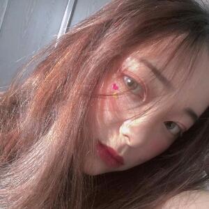 茶色眸子_